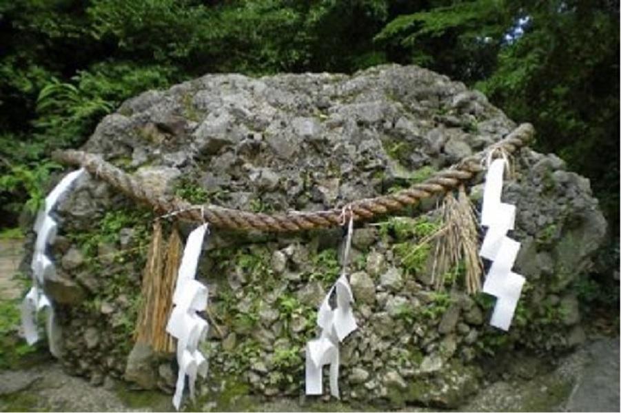 国歌に歌われている、さざれ石とは | 和のすてき 和の心を感じるメディア